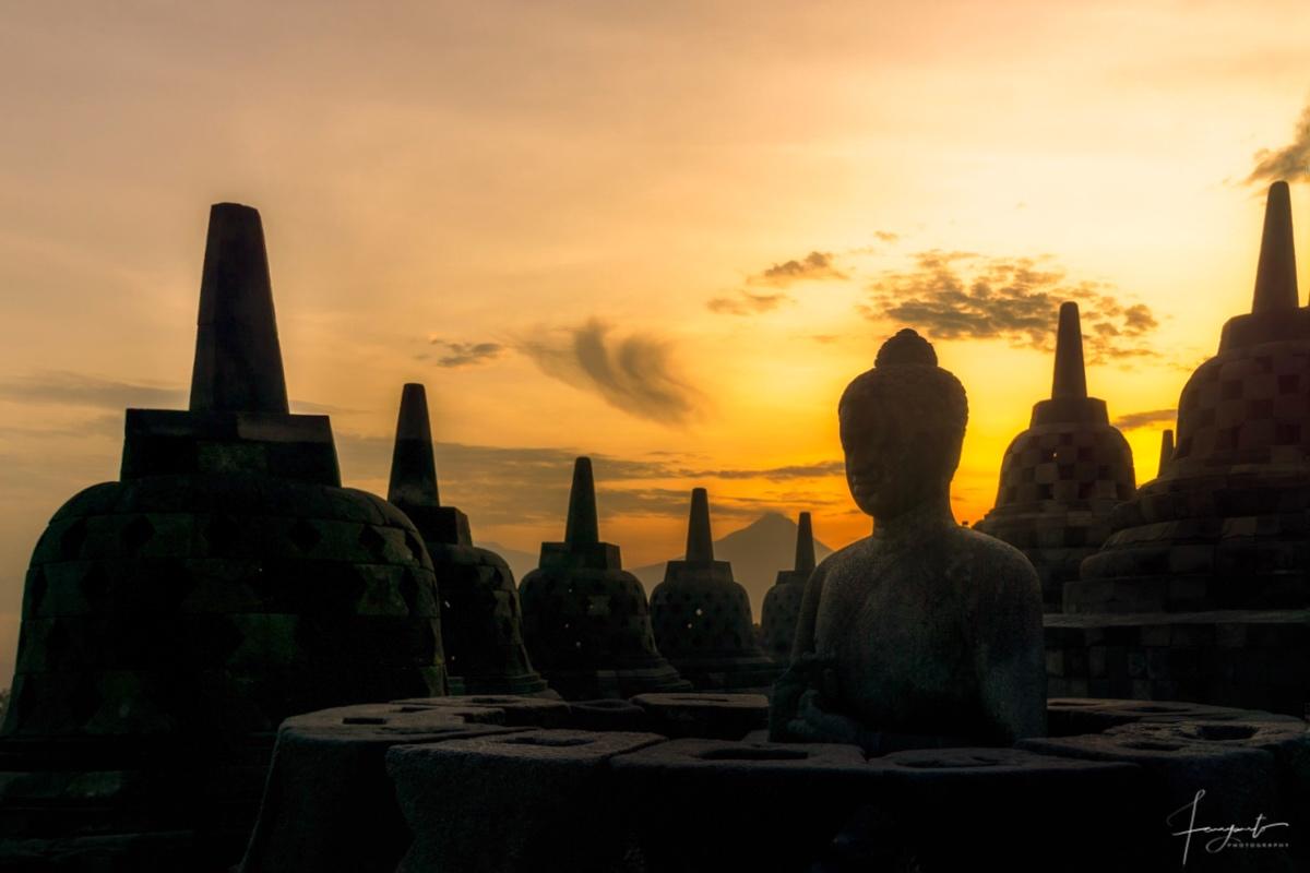 Silhouette candi Borobudur