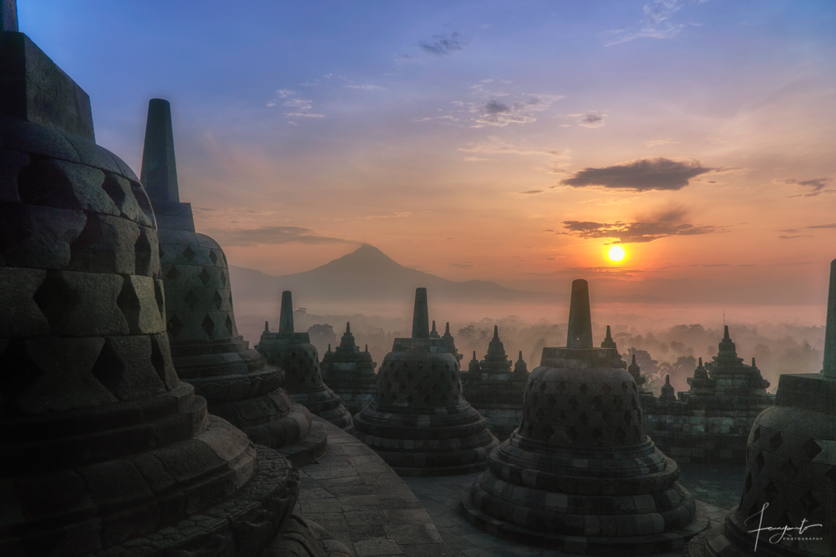 Sunrise Candi Borobudur